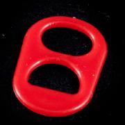 anillas de lata de color rojo